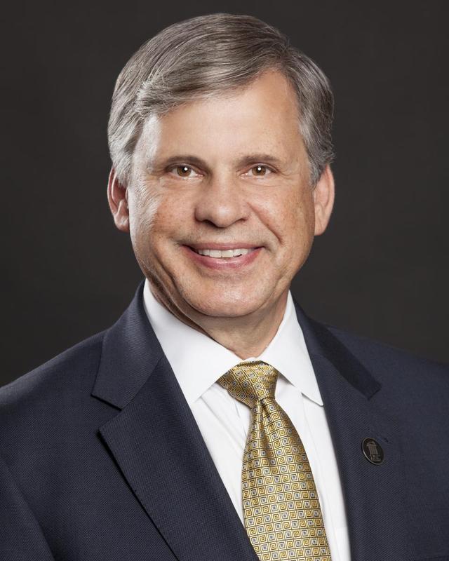 4- Chancellor Robin Gary Cummings.jpg