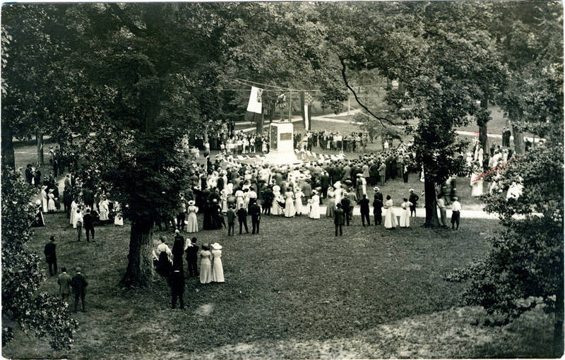 Unveiling, 1913 (front of postcard)