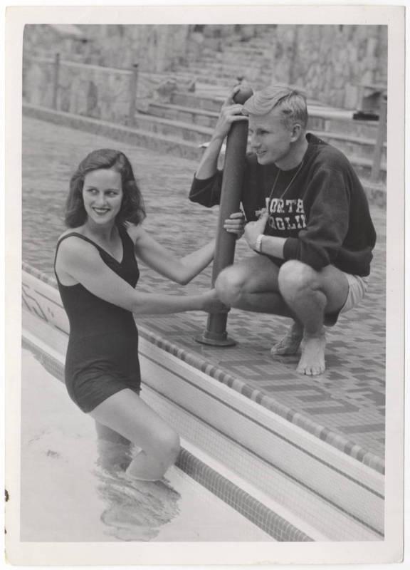 http://jennifercoggins.net/herstory/Women_in_Sports_2.jpg