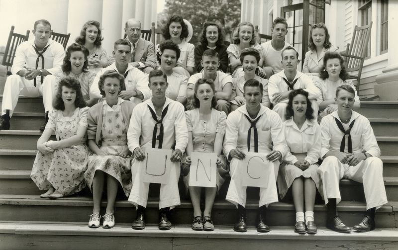 http://www2.lib.unc.edu/mss/exhibits/patriotism/Images/Large/CampusYBlueRidgedelegation1944.jpg