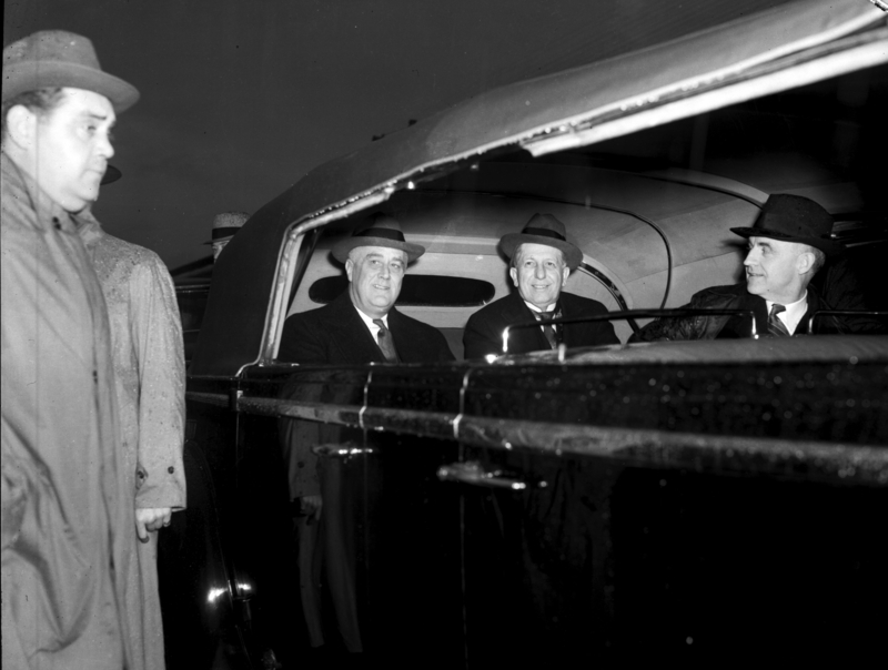 Photograph of Franklin Delano Roosevelt, Clyde R. Hoey, and Frank Porter Graham.