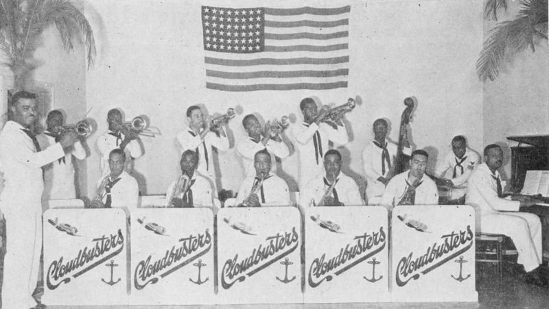 http://www2.lib.unc.edu/mss/exhibits/patriotism/Images/Large/SwingBand.jpg