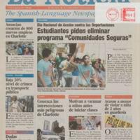 front cover of La Noticia: The Spanish Language Newspaper by La Noticia, Inc., Charlotte, N.C.