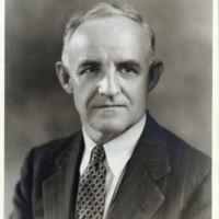 http://www2.lib.unc.edu/mss/exhibits/patriotism/Images/Large/FrankPorterGrahamca1940s.jpg