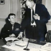 http://www2.lib.unc.edu/mss/exhibits/patriotism/Images/Large/MedalofHonorwinner.jpg